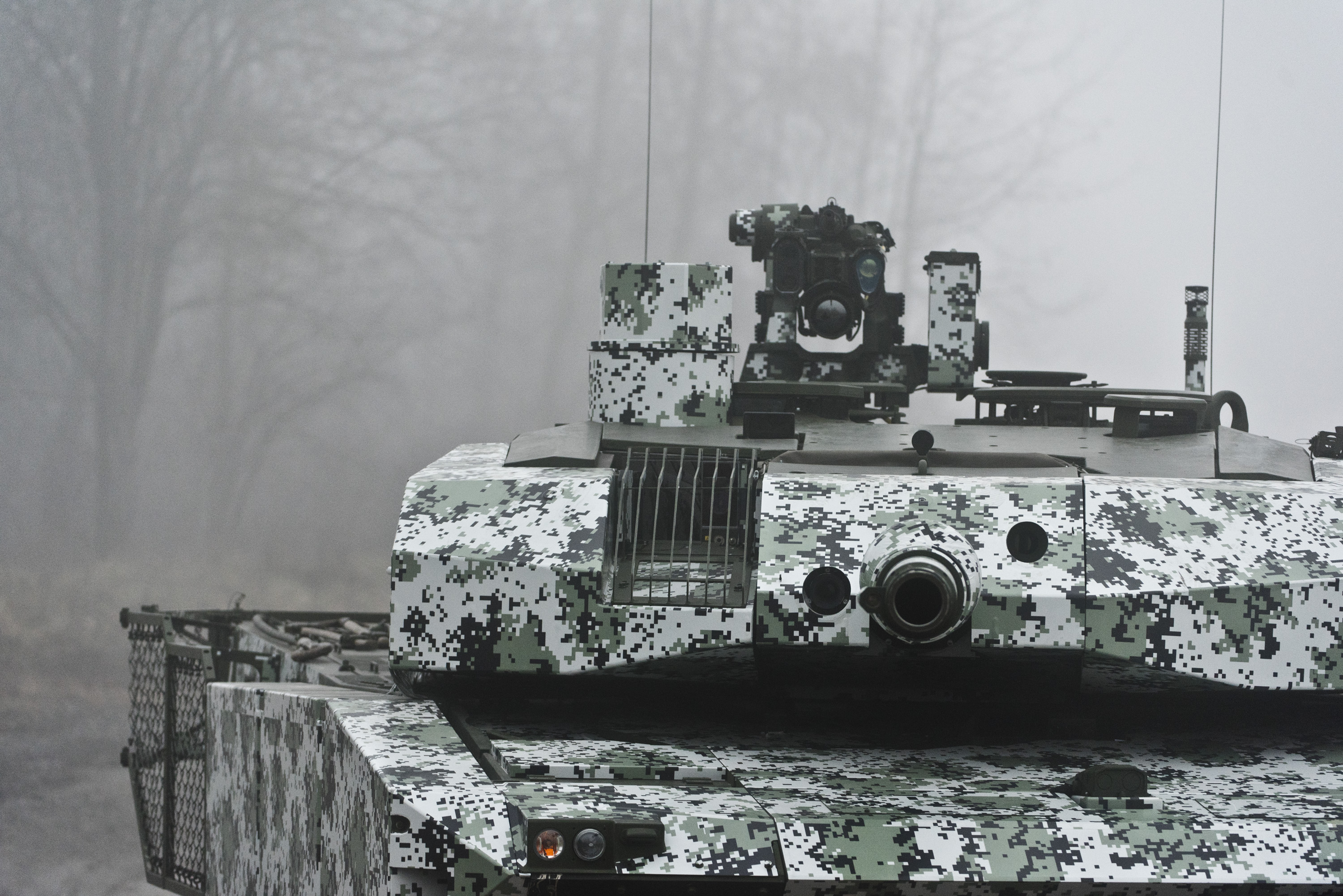 Leopard 2 line reorganization new variants leopard 2 mlu swiss upgrade of the 2a4 by ruag similar to above amap armor kit but again notice the front turret shape is different malvernweather Choice Image
